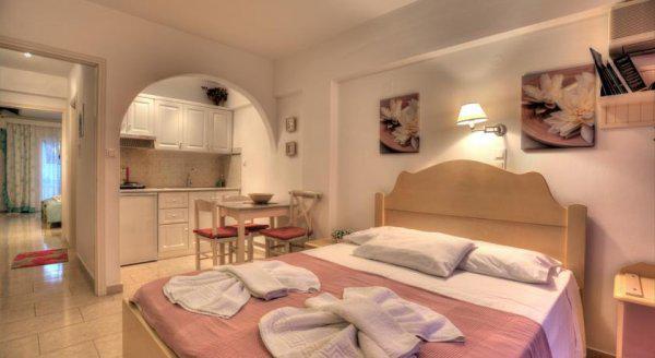 Leonardos Apartments