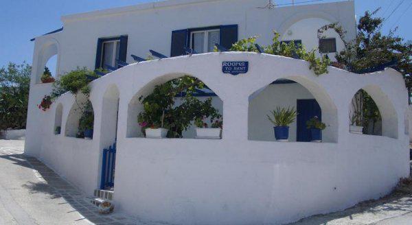 Odysseas Rooms & Studios